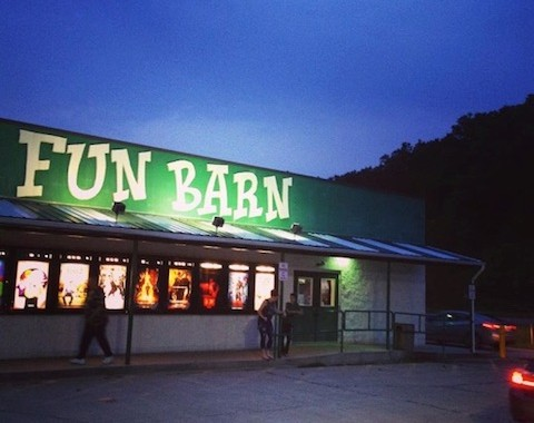 fun barn | things to do in nelsonville