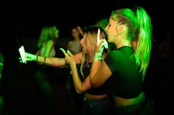blond-hair-cellphone-club-1449792