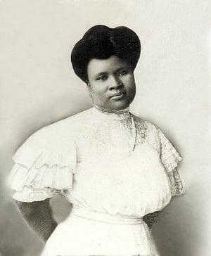 Madam Walker White Dress circa 1909 lores aleliabundles.com